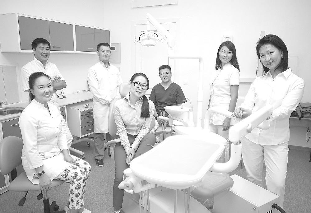 сидящие стоматология как искусство в фото едва удалось
